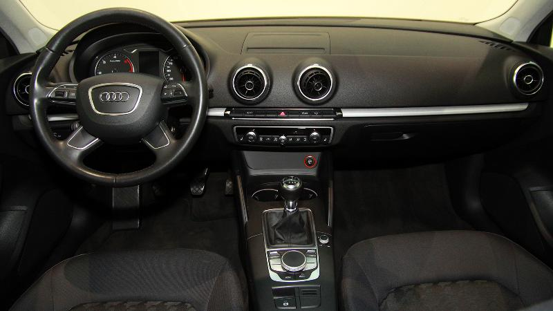 Coche de ocasión audi a3 sportback 1.6 tdi 105cv attraction