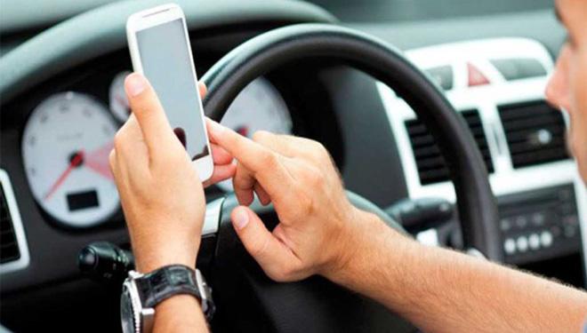 telefono movil, leyes severas de conducción