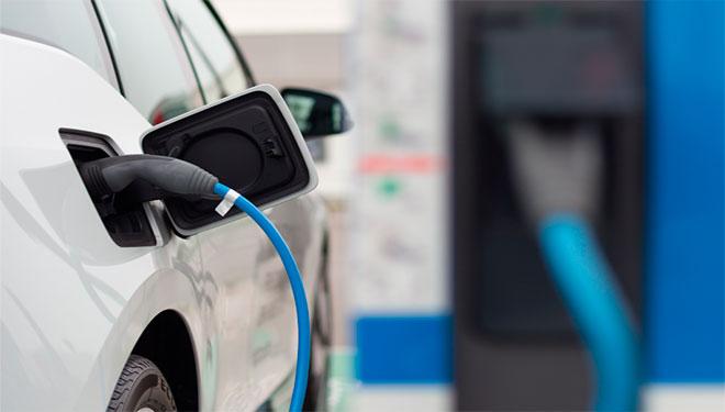 movilidad eléctrica, combustibles fósiles