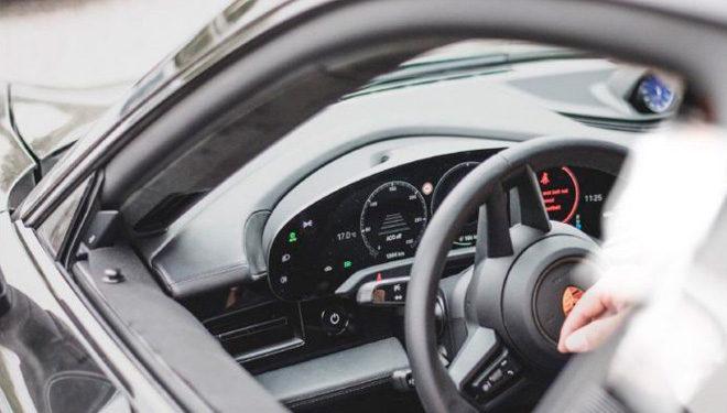 Nuevo Porsche Taycan, primeras imágenes de su interior
