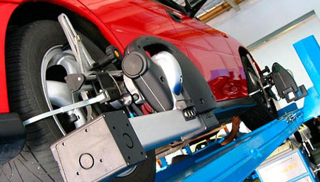 alineacion neumaticos, equilibrado neumaticos, seguridad vial, vehiculo de ocasion