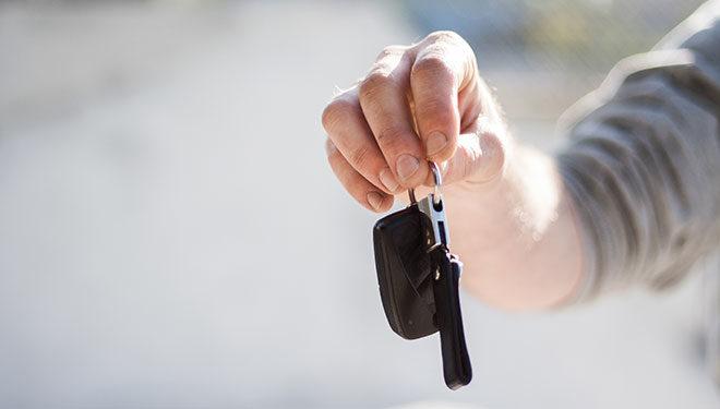 Consejos para no llevarte una sorpresa al alquilar un coche