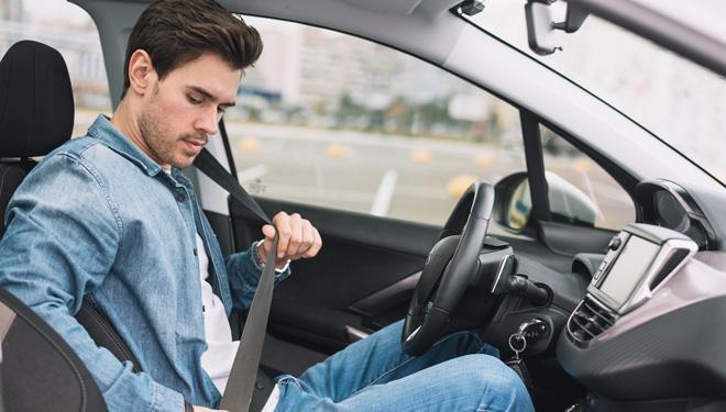 seguridad vial, pasajero bala, cinturon de seguridad