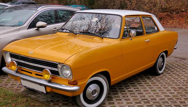 Faros del coche amarillos, ¿son más seguros?