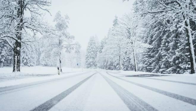 coche seminuevo, conducir nieve, seguridad vial, cadenas, neumáticos de invierno