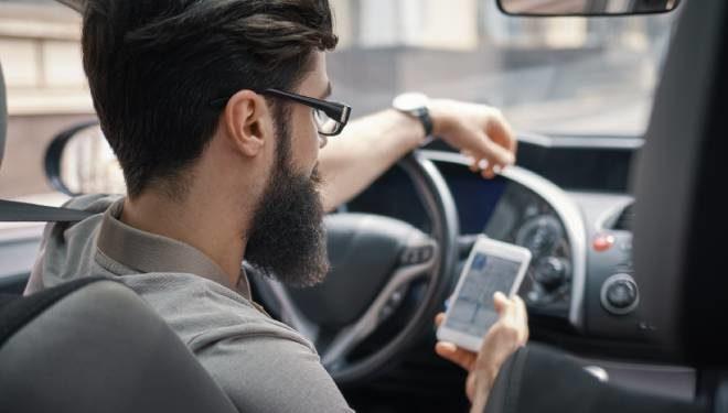 Sanciones por conducir usando el móvil en 2021