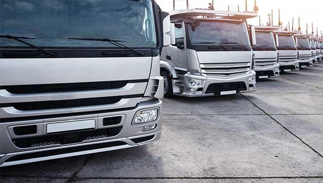 coche seminuevo, camiones, acciones peligrosas