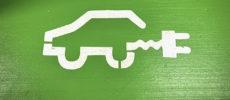 ¿Es una buena opción optar por un coche seminuevo eléctrico con las actuales tarifas de la luz?